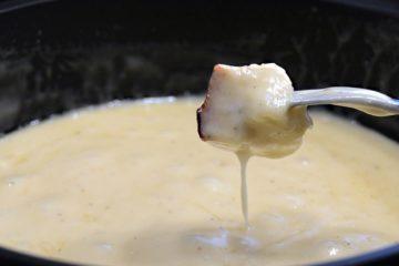 Une image contenant alimentation, intérieur, assiette, fondue Description générée automatiquement